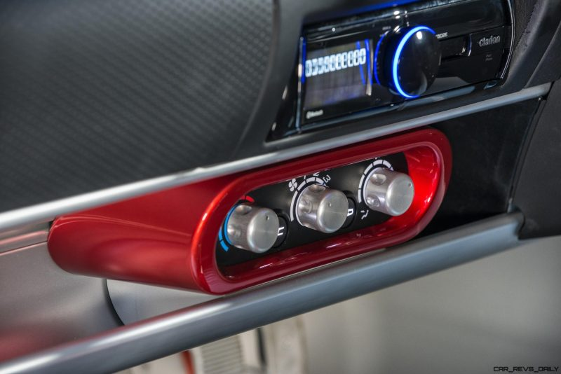 exige-sport-380-stereo-image