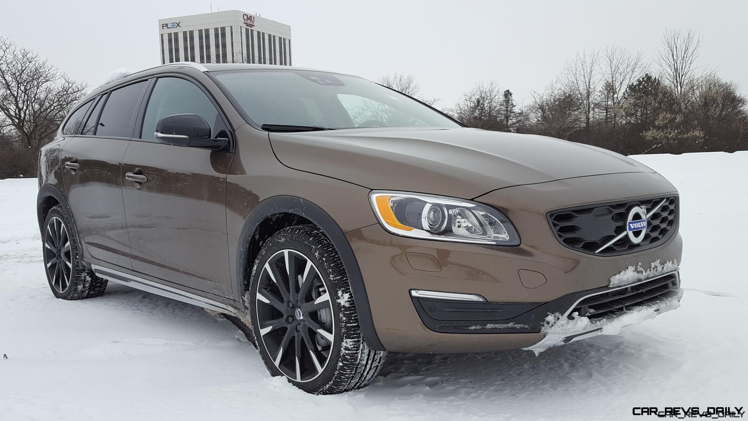 road test review 2017 volvo v60 cross country platinum by carl malek. Black Bedroom Furniture Sets. Home Design Ideas
