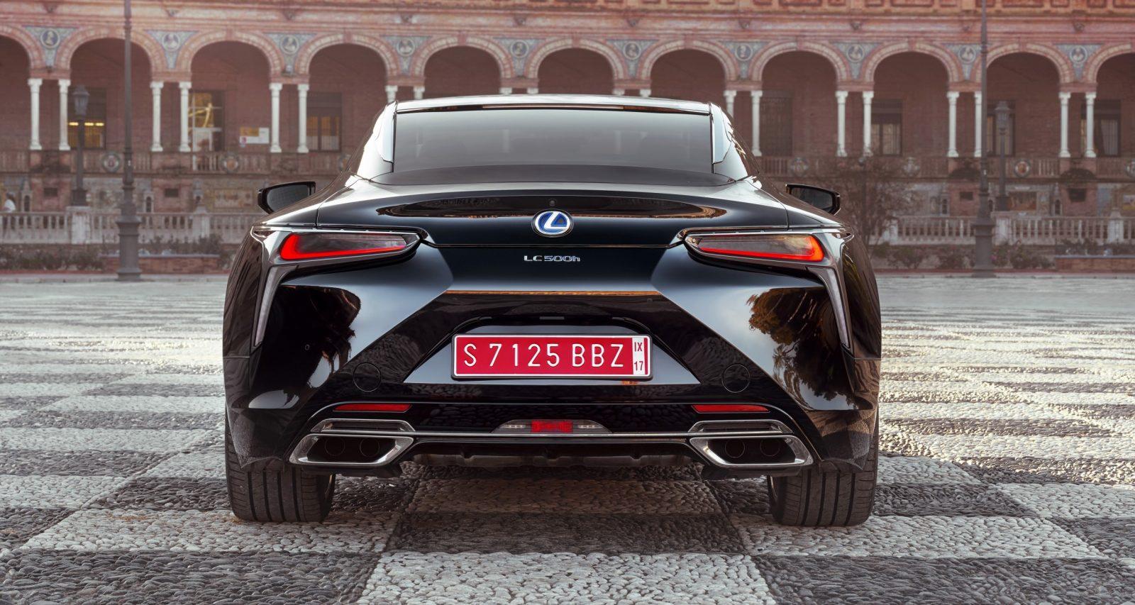 2018_Lexus_LC_500h_008_CCDDC5C5BE05B4A12EFFFDA5A410CF2179659EFC