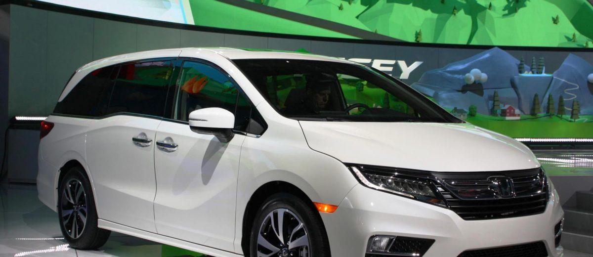 Honda Unveils 2018 Odyssey Minivan Live Images