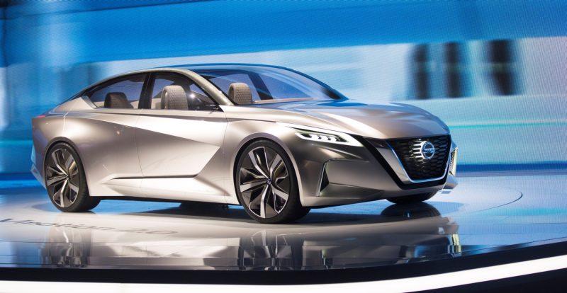 Nissan_2017_NAIAS_04