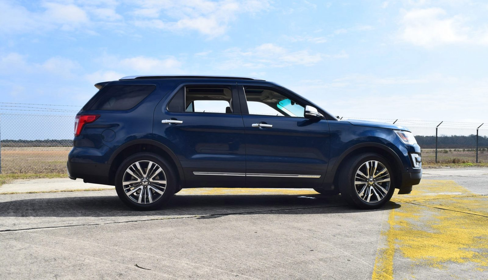 2017 Ford Explorer Platinum 4x4 Hd Road Test Review