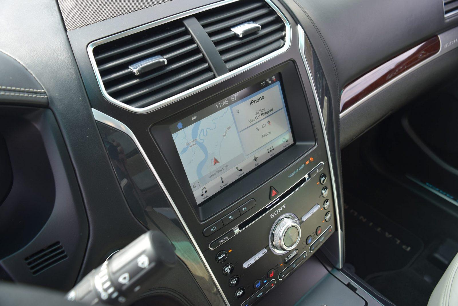 2017 Ford Explorer Platinum Interior 9