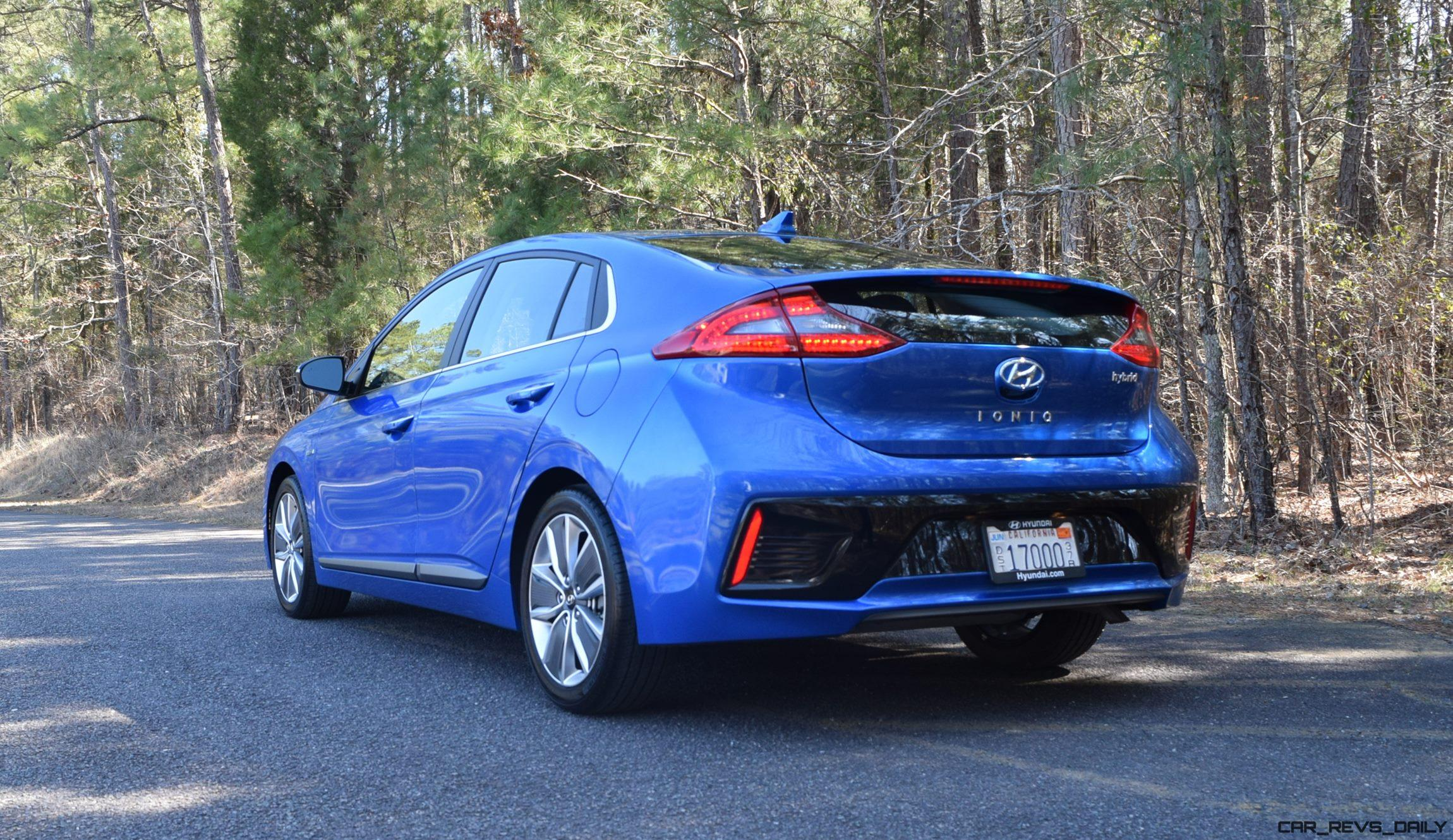 2017 hyundai ioniq hybrid first drive review w video 60 photos. Black Bedroom Furniture Sets. Home Design Ideas