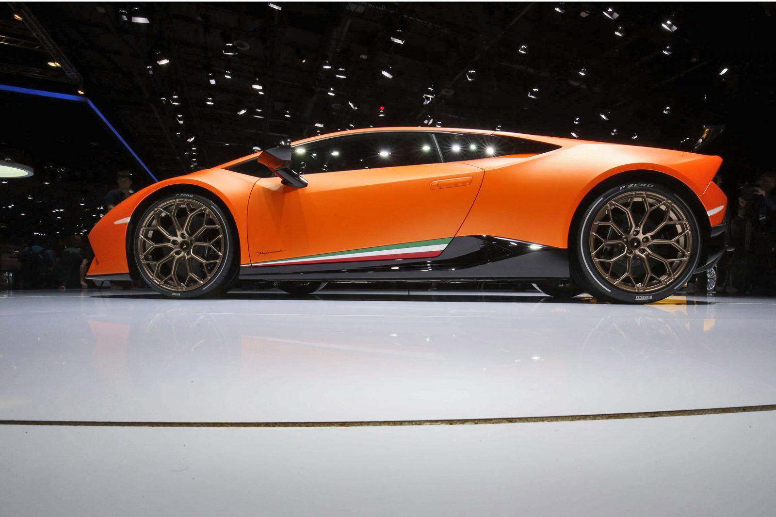2.9s, 201MPH 2017 Lamborghini Huracan PERFORMANTE - Launch ...