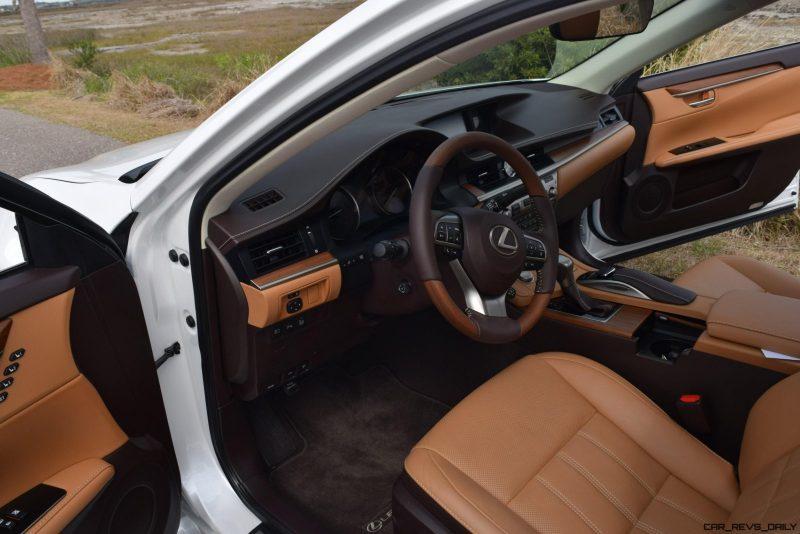 2017 Lexus ES350 Interior 13