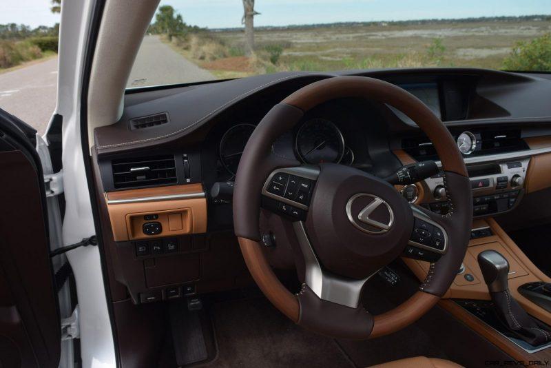 2017 Lexus ES350 Interior 14