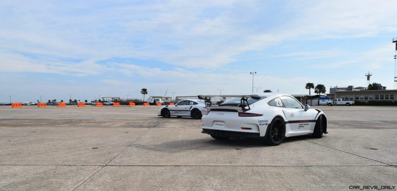 2017 Porsche 911 GT3RS 13