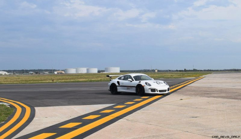 2017 Porsche 911 GT3RS 3