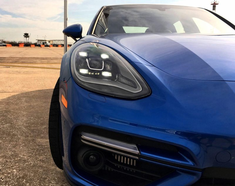 2017 Porsche Panamera TURBO Exterior 20