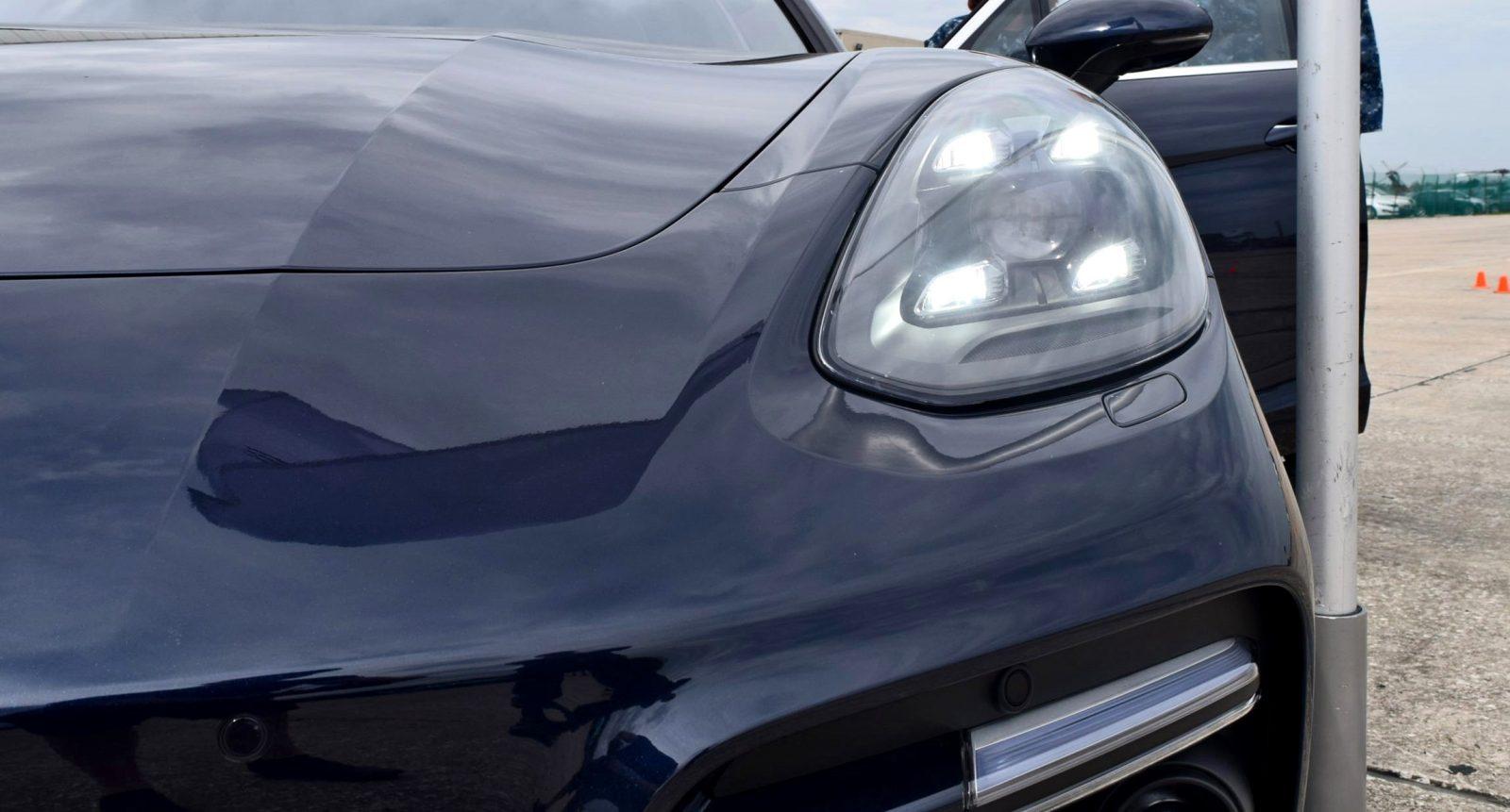 2017 Porsche Panamera TURBO Exterior 4