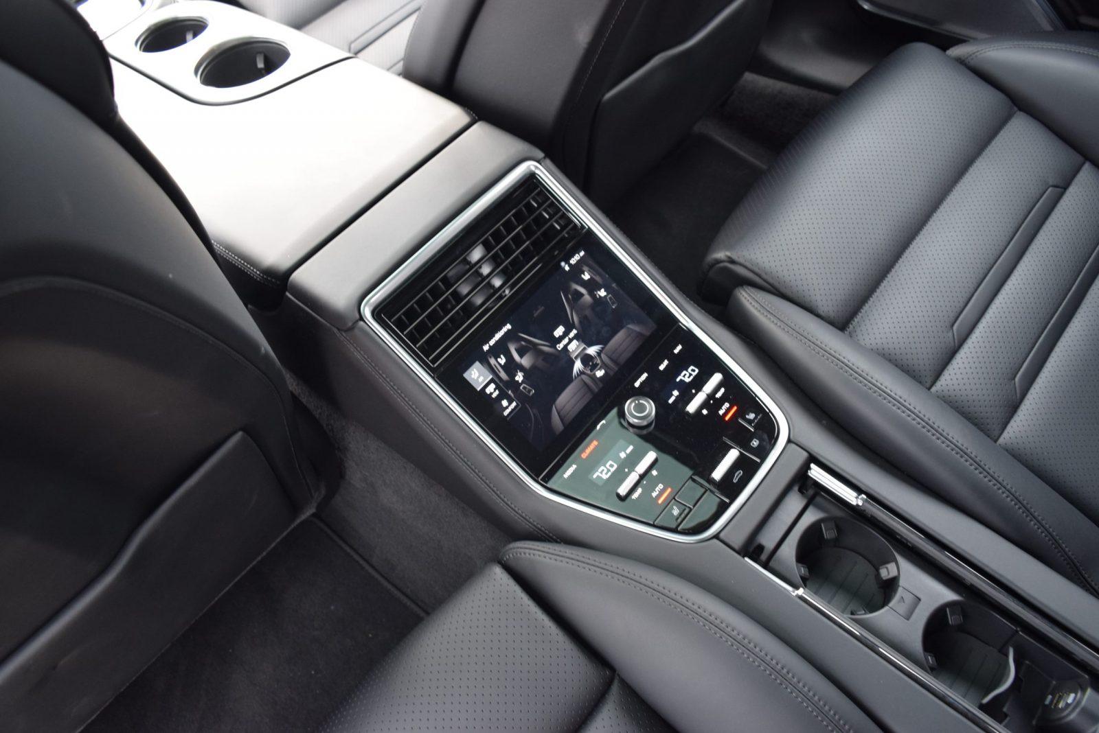 2017 Porsche Panamera TURBO Interior 10