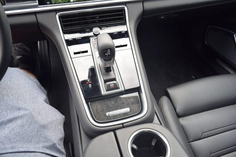 2017 Porsche Panamera TURBO Interior 16