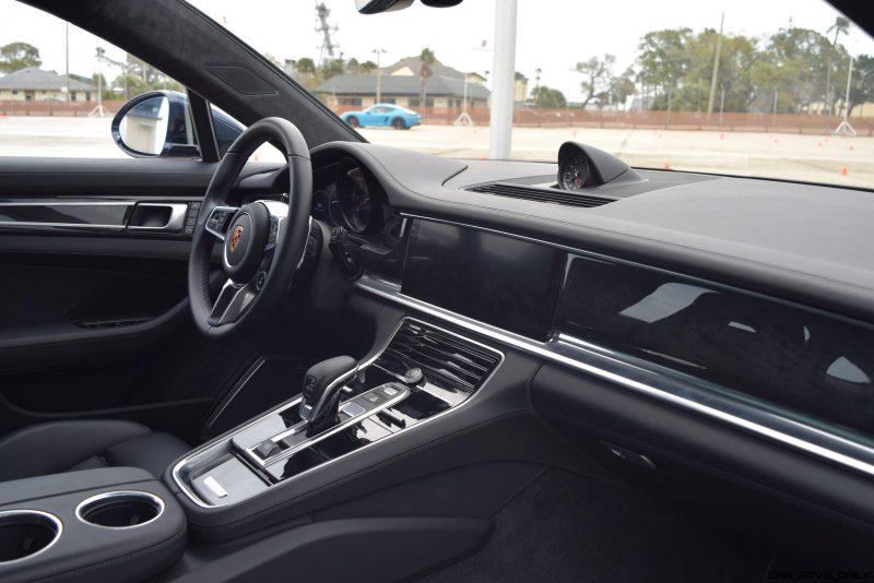 2017 Porsche Panamera TURBO Interior 2