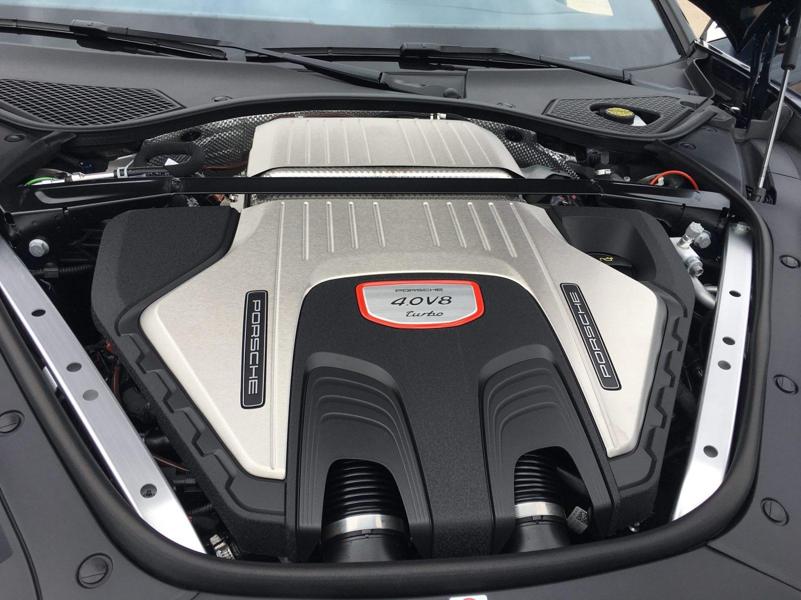 2017 Porsche Panamera TURBO Interior 21