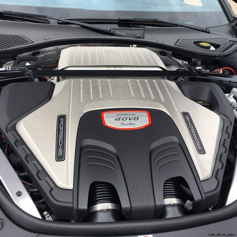 2017 Porsche Panamera TURBO Interior 22