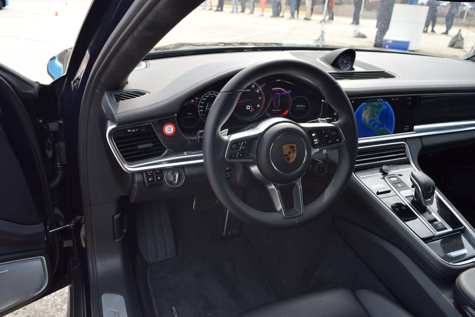 2017 porsche panamera turbo interior 4. Black Bedroom Furniture Sets. Home Design Ideas