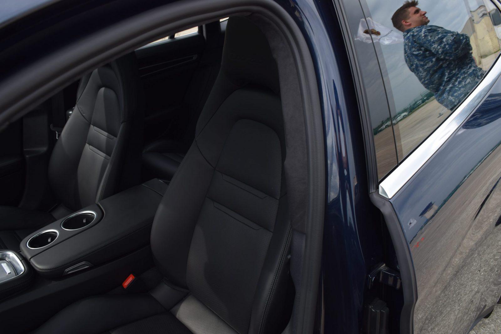 2017 Porsche Panamera TURBO Interior 9