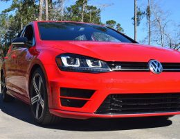 2017 VW Golf R 6-Speed Manual – HD Road Test Review