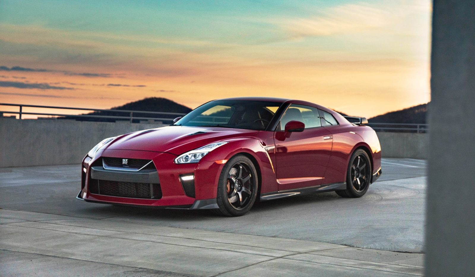 2017_Nissan_GT_R_Track_Edition_09(1)
