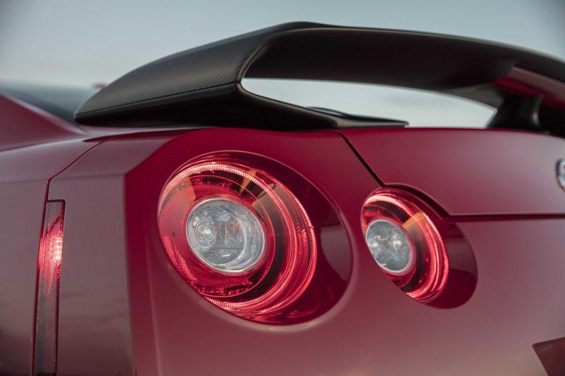 2017_Nissan_GT_R_Track_Edition_12