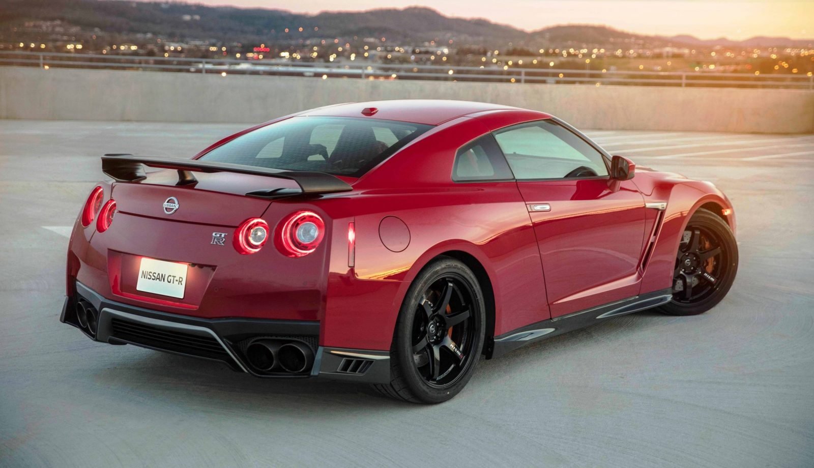 The Fresh Look Inside And Out Of 2017 GT R Premium NISMO Models Is Present In New Track Edition Highlights Include Redesigned Hood