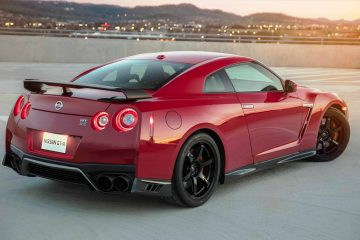 2018 Nissan GT-R Track Edition Adds Nismo Grip, Widebody Fenders and Racier Cabin