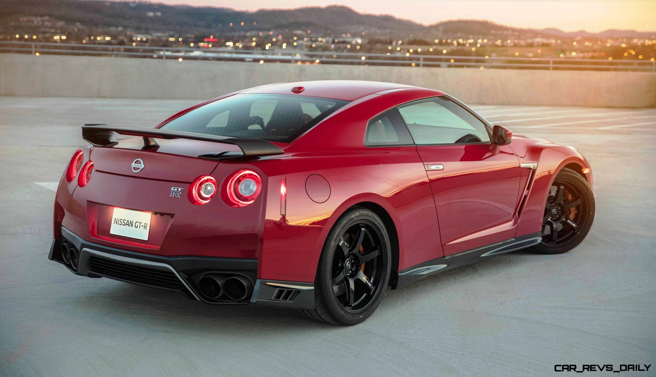 2018 nissan gt r track edition adds nismo grip widebody fenders and racier cabin. Black Bedroom Furniture Sets. Home Design Ideas