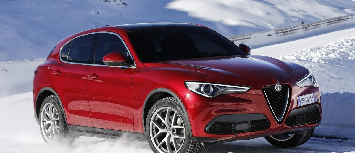 2018 alfa romeo stelvio 70 dynamic pics on namesake road. Black Bedroom Furniture Sets. Home Design Ideas