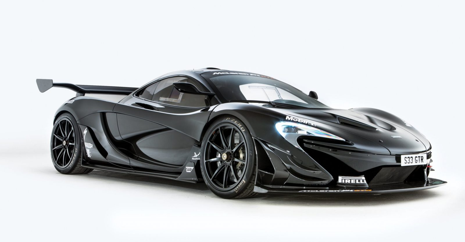 road legal 2016 mclaren p1 gtr heads to rm villa erba 2017 auctions. Black Bedroom Furniture Sets. Home Design Ideas