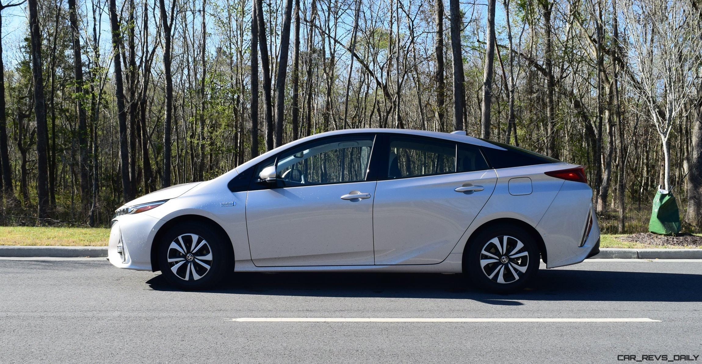 2017 Toyota Prius Prime Exterior Photos 17