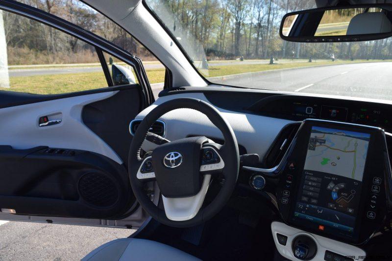 2017 Toyota PRIUS PRIME Interior Photos 8