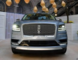 Best of NYIAS – 2018 Lincoln NAVIGATOR – 450HP, 10-Speed