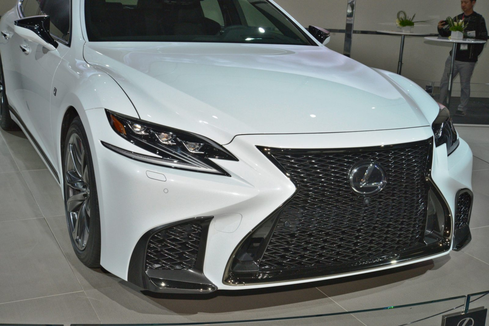 2018 Lexus LS500 F Sport - Air-Ride, Active 4WS + Live ...