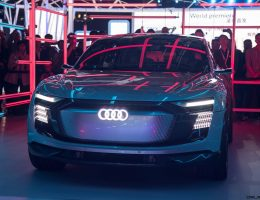 Update1 – 2017 Audi e-Tron Sportback Concept – Previews Q5-Sized 2019 EV
