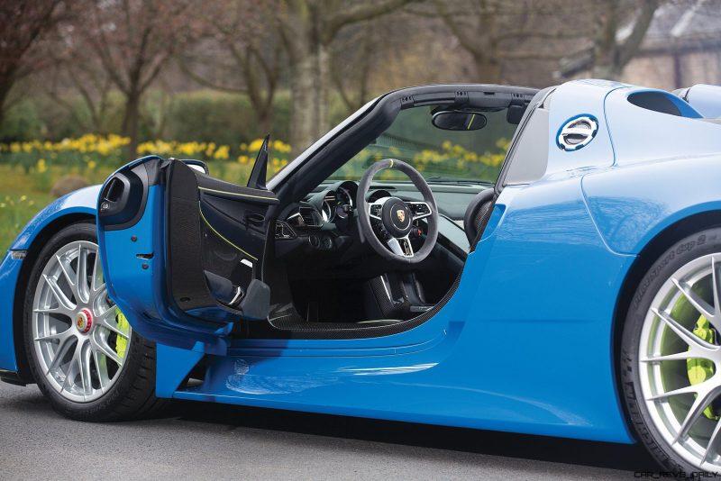 Arrow Blue Porsche 918 Spyder 10