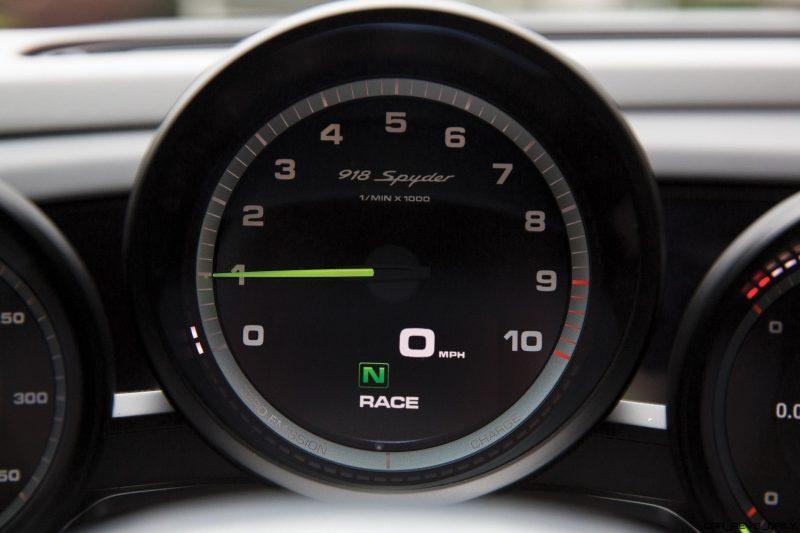 Arrow Blue Porsche 918 Spyder 14