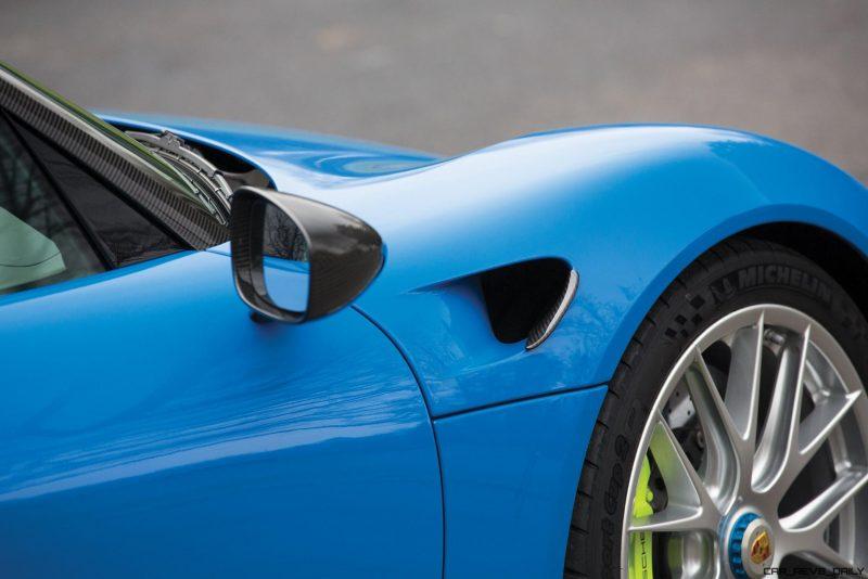 Arrow Blue Porsche 918 Spyder 25