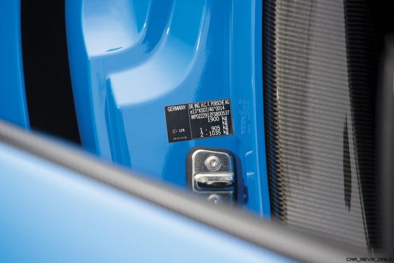 Arrow Blue Porsche 918 Spyder 30