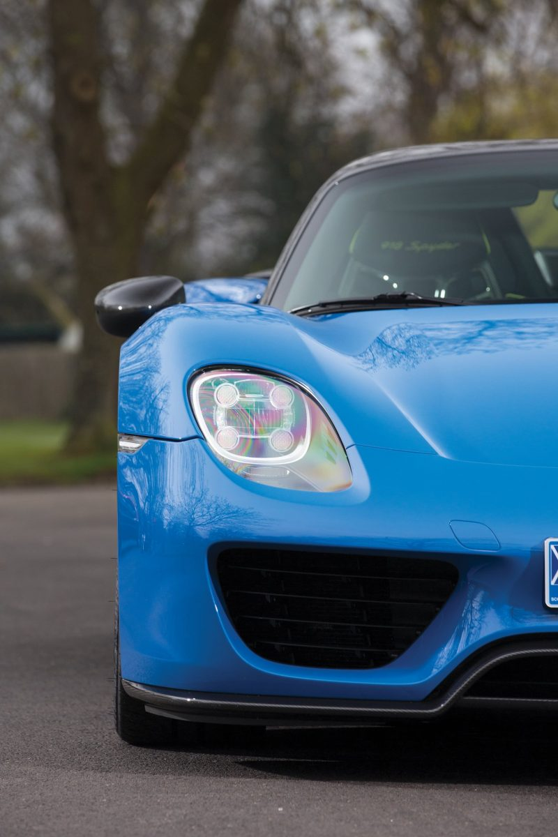 Arrow Blue Porsche 918 Spyder 31