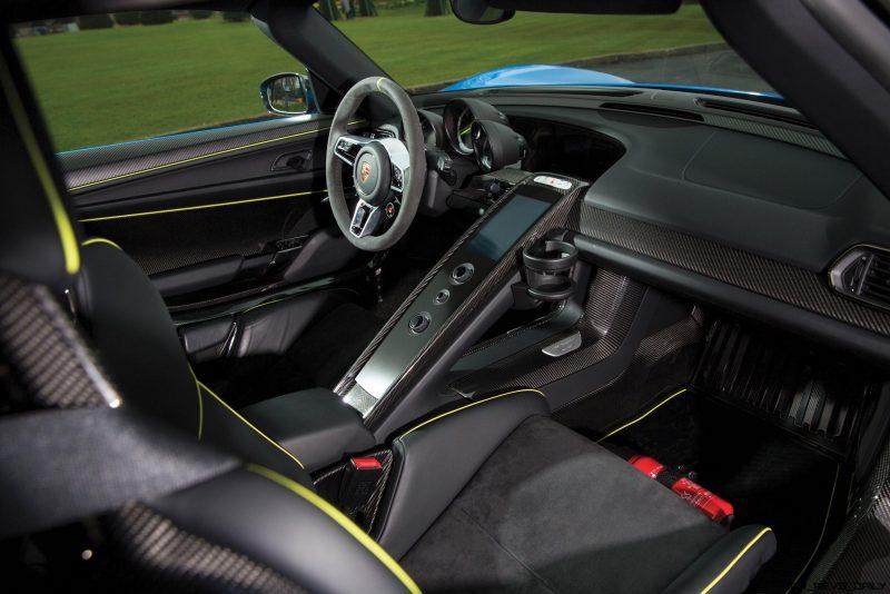 Arrow Blue Porsche 918 Spyder 4
