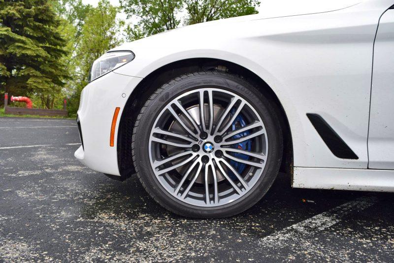2017 BMW 540i 36