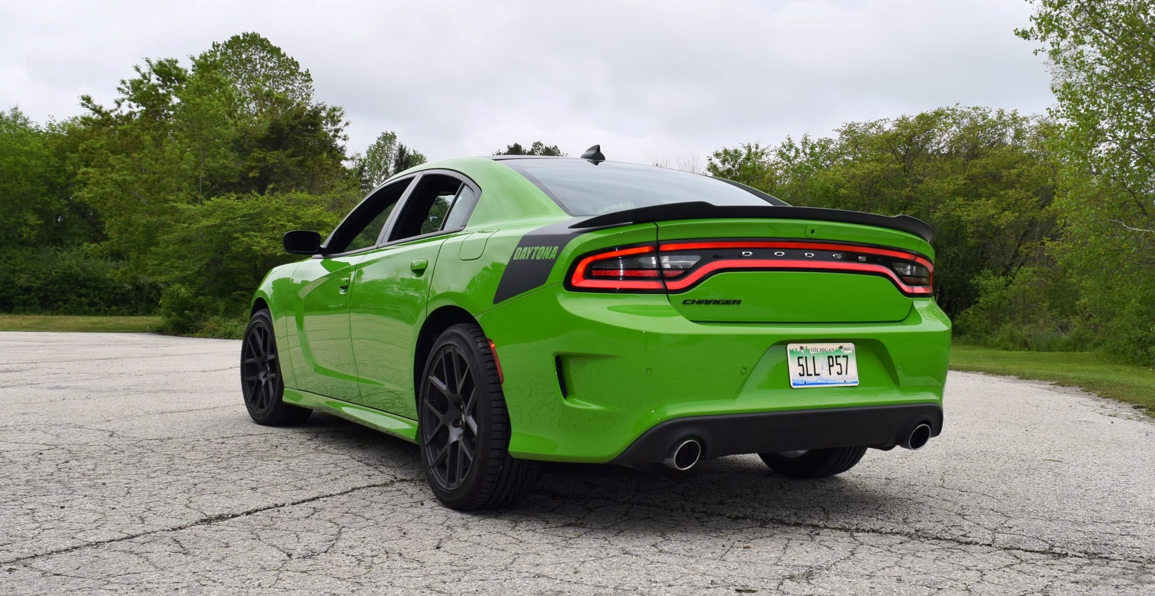 2017 Dodge Charger DAYTONA 23