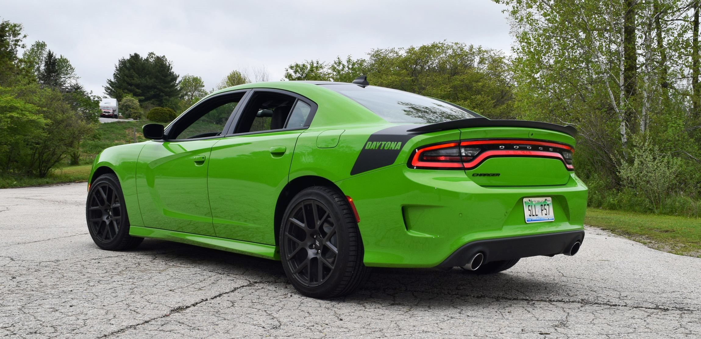 2017 Dodge Charger DAYTONA 25