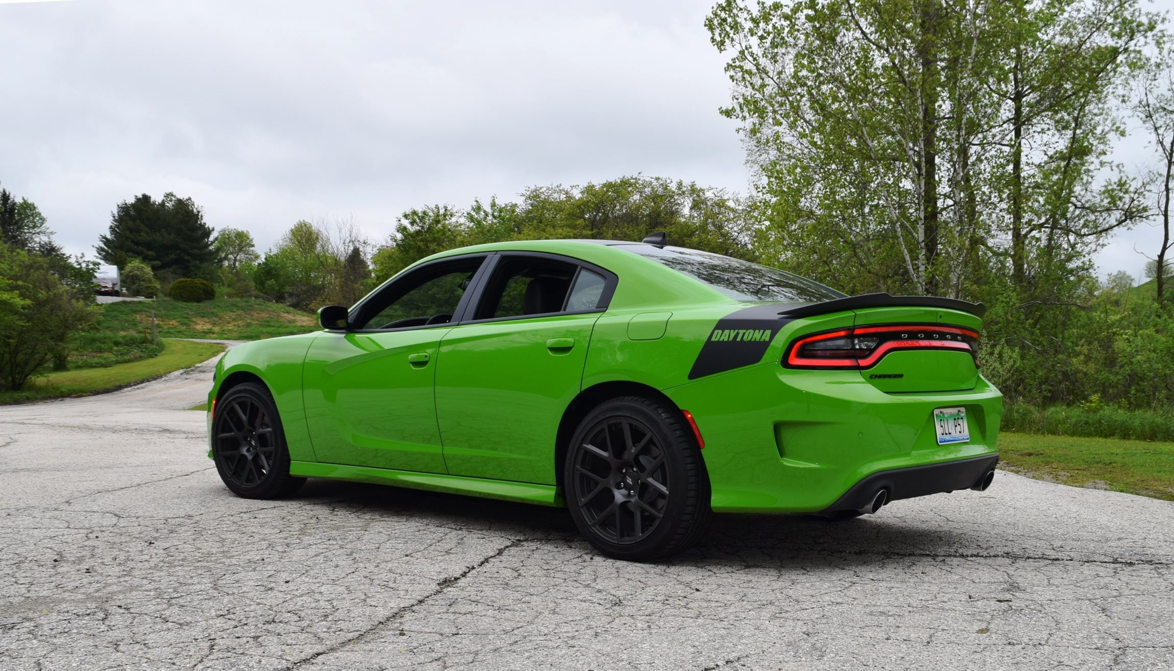 2017 Dodge Charger DAYTONA 26