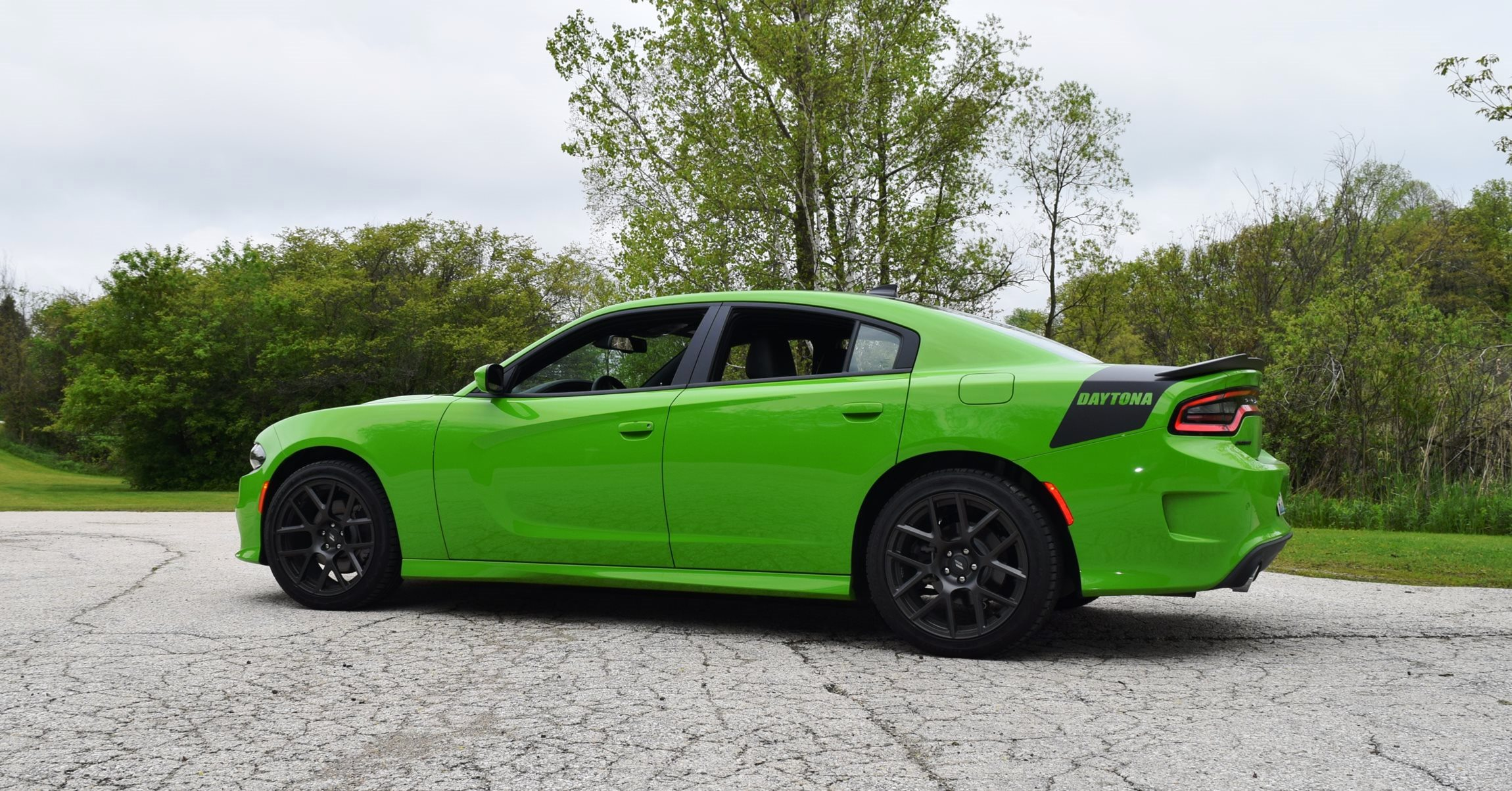 2017 Dodge Charger DAYTONA 28