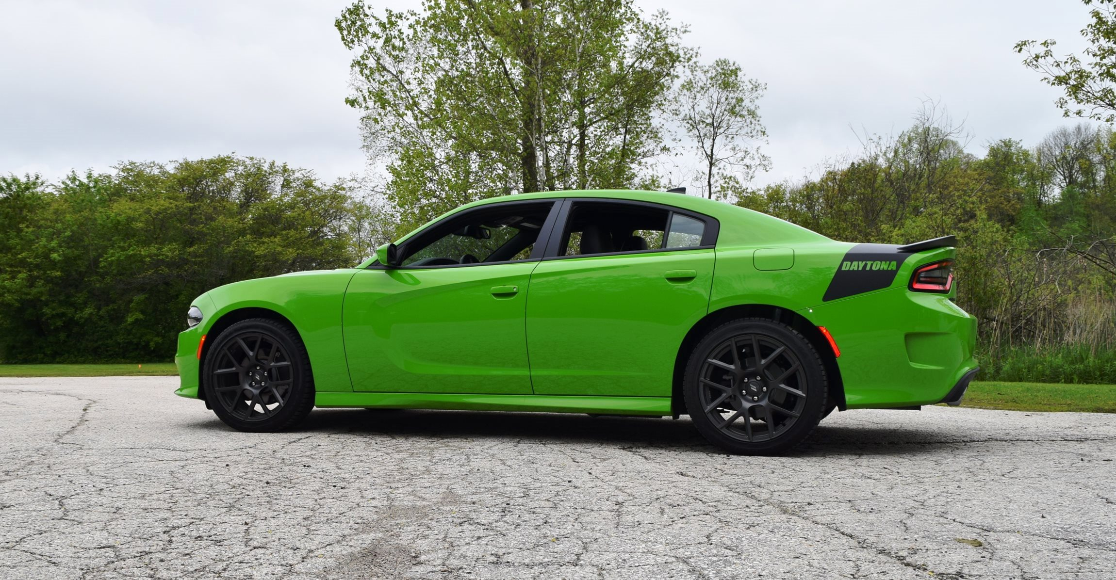 2017 dodge charger daytona first drive w active exhaust. Black Bedroom Furniture Sets. Home Design Ideas