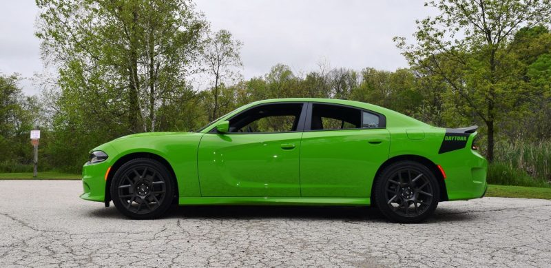 2017 Dodge Charger DAYTONA 32