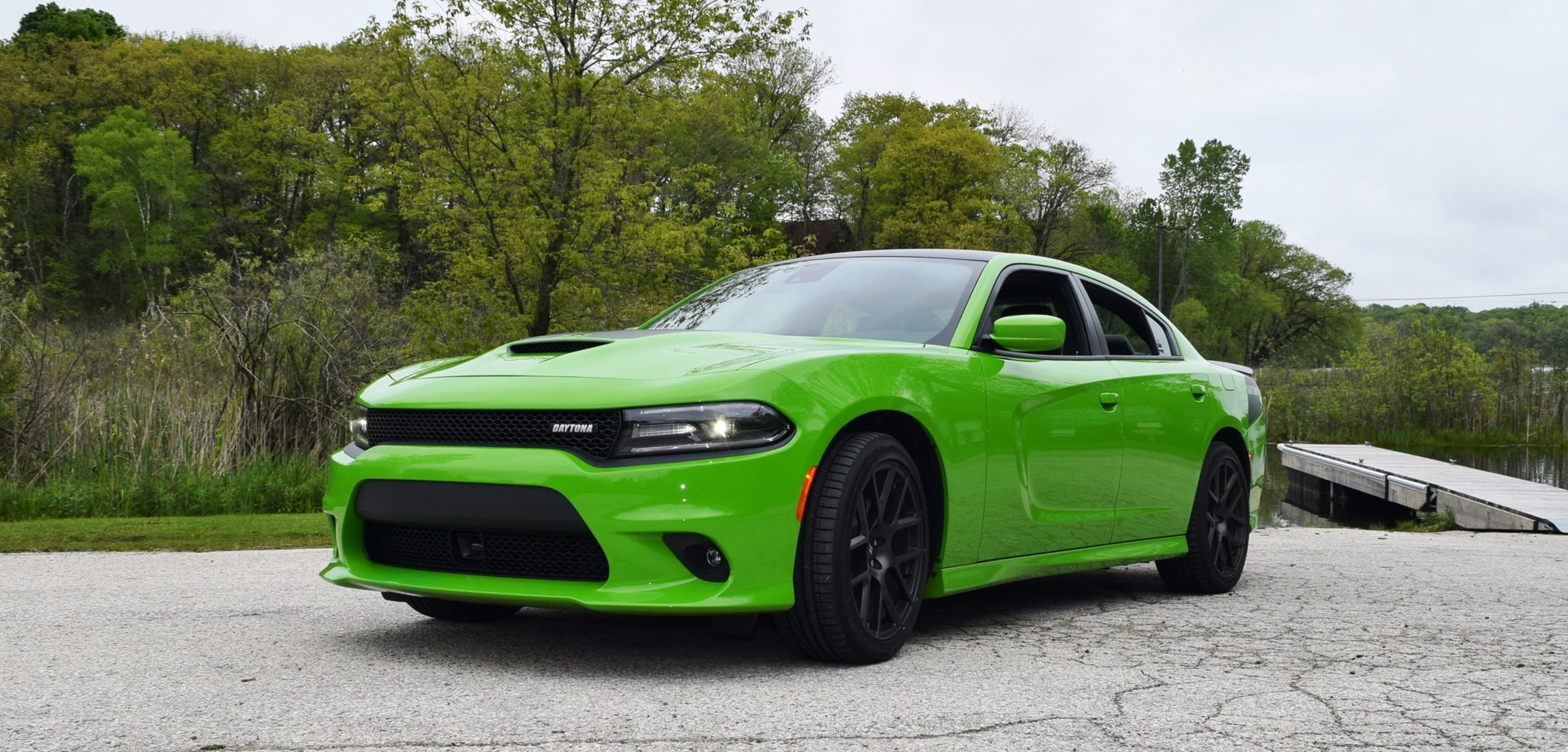 2017 Dodge Charger DAYTONA 36