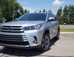 2017 Toyota Highlander Limited Platinum (AWD) – Road Test Review –  By Carl Malek